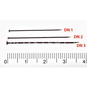 Stecknadeln in drei verschiedenen Längen